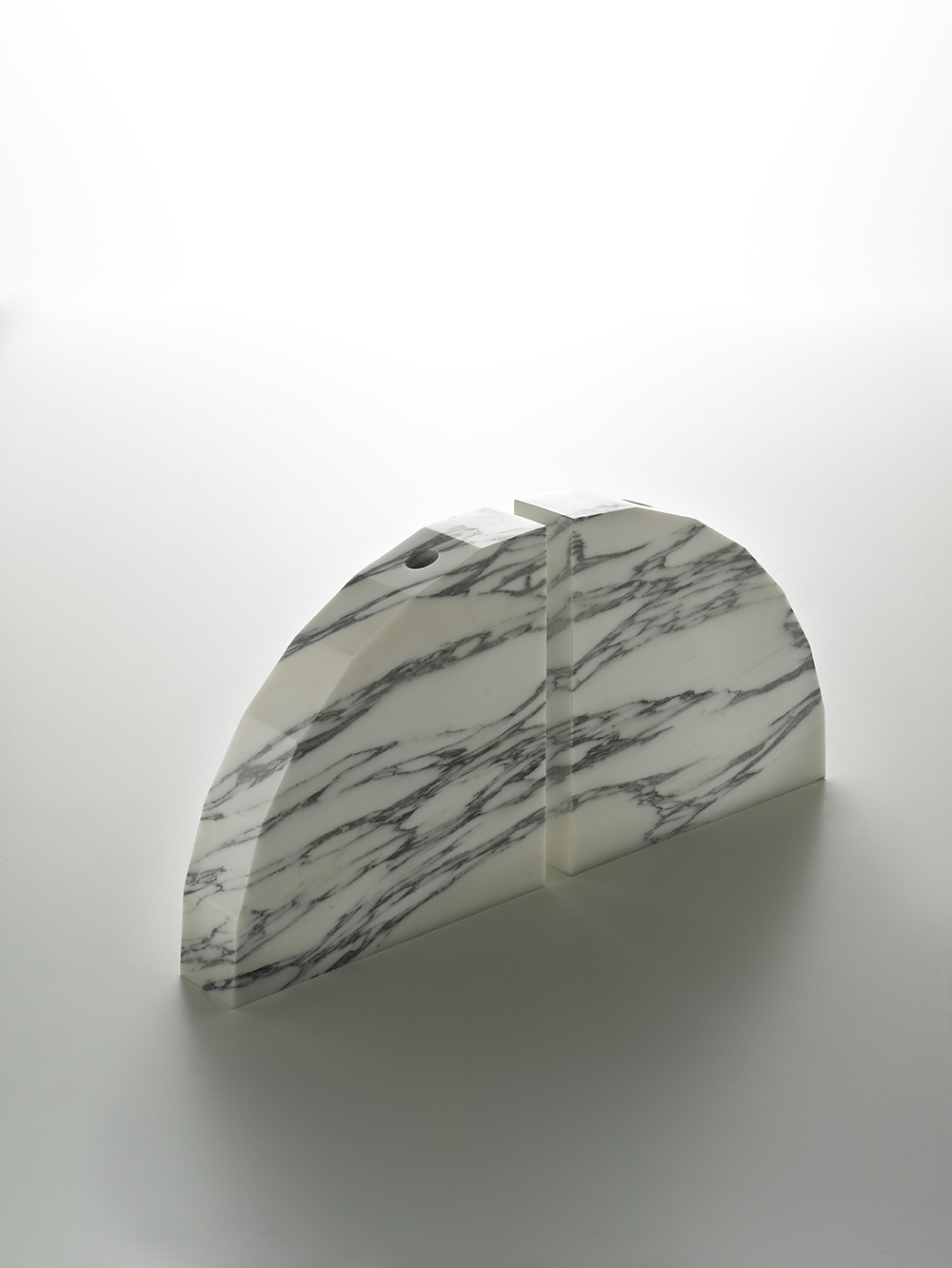 Brooksbank & Collins_Caulis_Arabascatta Marble_7